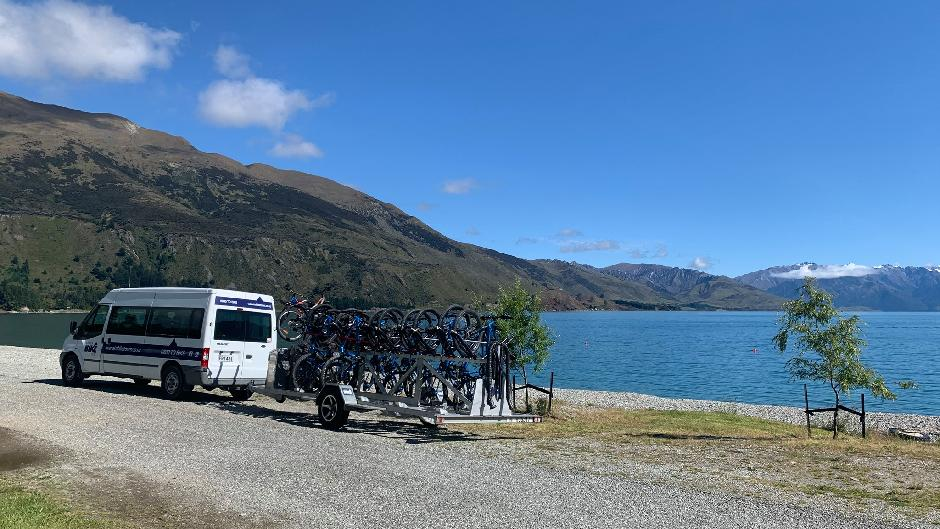 Experience Wanaka's breathtaking scenic beauty at your own pace with Wanaka Bike Tours.