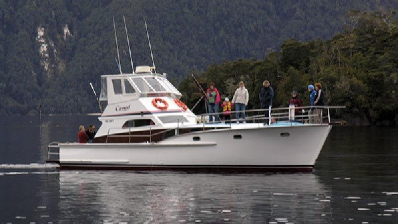 Join Cruise Te Anau for a boutique 3 hour Discovery Cruise to the beautiful & tranquil South Fiord of Lake Te Anau where you will view spectacular mountains & breath taking scenery.