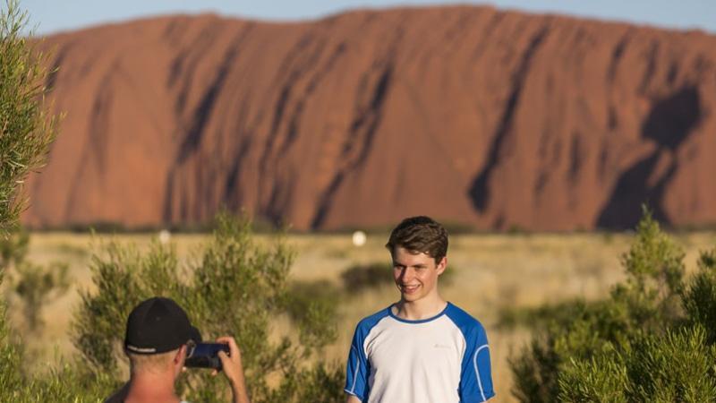 Try out this EPIC 3-day Uluru camping tour. Visit iconicUluru (Ayers Rock), amazingKata-Tjuta (the Olgas), and incredibleKings Canyon (Watarrka).
