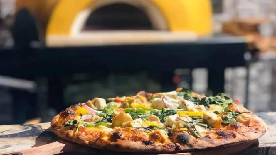 Get up to 50% off dinner at Mamma Rosa Pizzeria