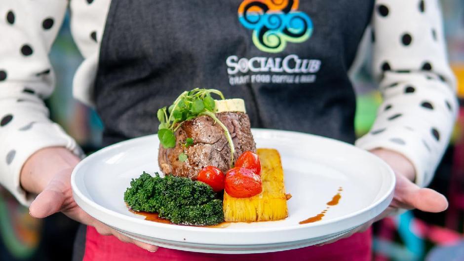 mount social club dinner