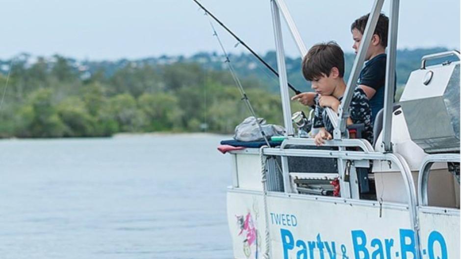 BBQ Pontoon Boat Hire Deals