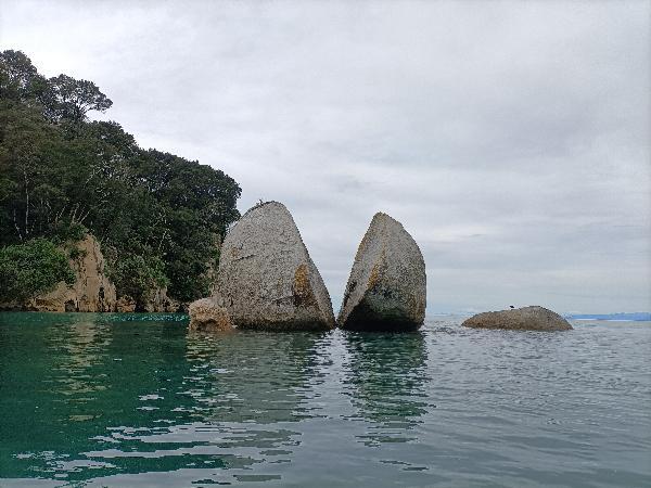 Half Day Guided Split Apple Rock Kayak Trip