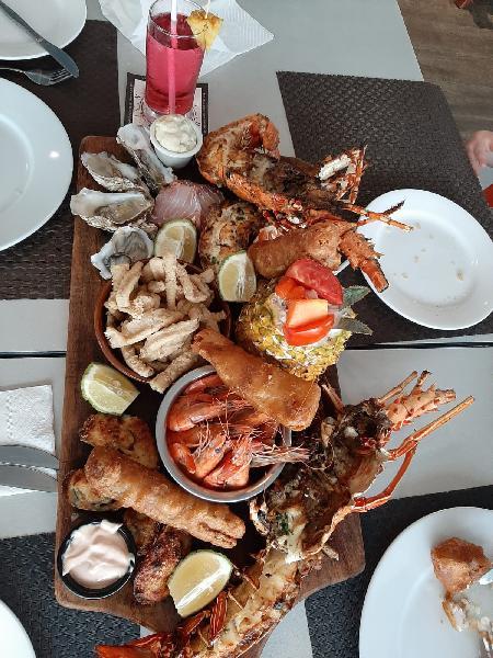 Amazing seafood platter.