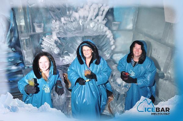3 generation enjoy IceBar