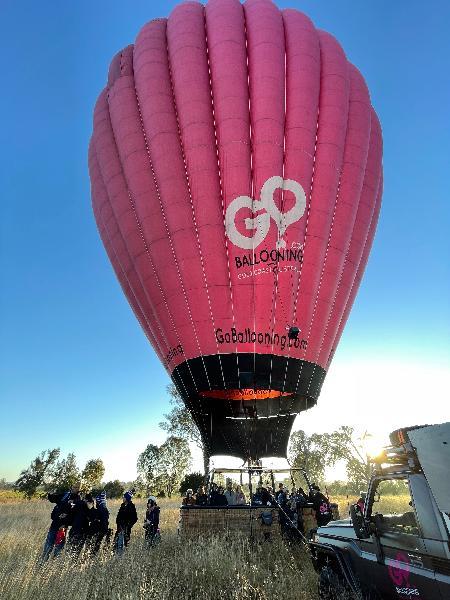 Sunday morning hot air balloon flight